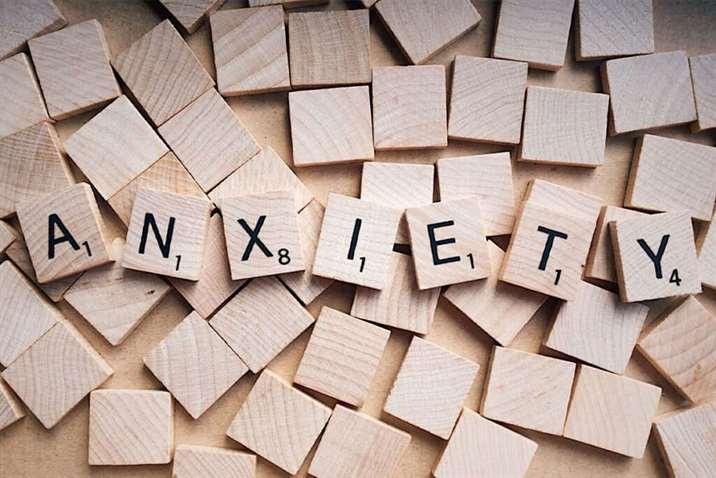 άγχος, κορωνοϊός, στρες, ανοσοποιητικό, τριχόπτωση, σολομός