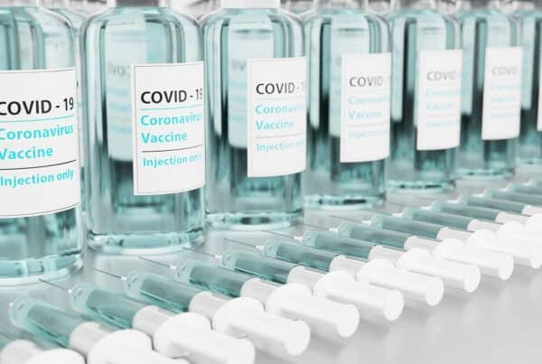 κορωνοϊός, καρκινοπαθείς, εμβόλιο, αποθεραπευμένοι, λοίμωξη, ανοσοθεραπεία